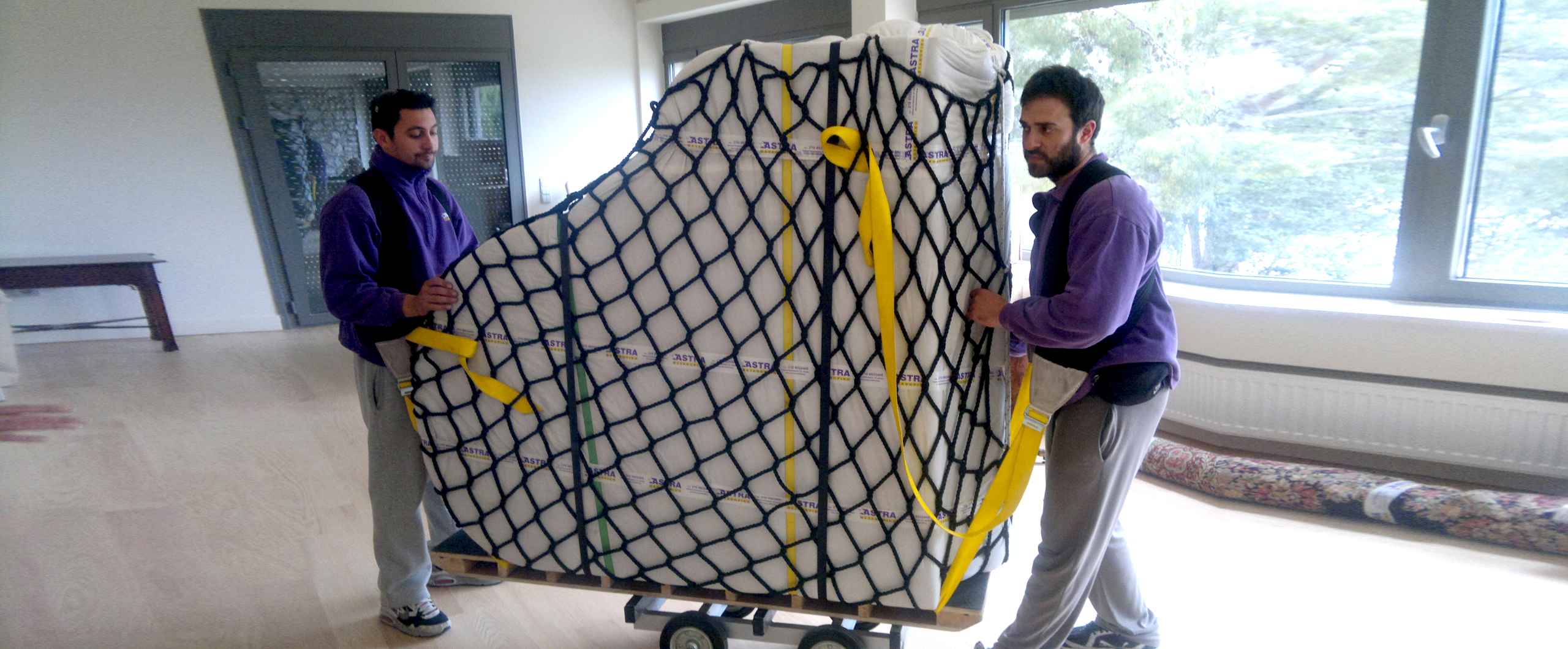 Τοποθέτηση δίχτυ σε πιάνο για μεταφορά